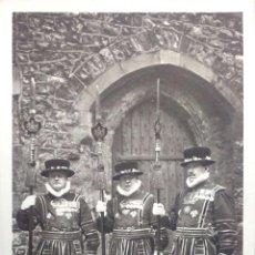 Postales: TORRE DE LONDRES. YEOMAN WARDERS IN STATE DRESS. NUEVA. BLANCO/NEGRO. Lote 213854293