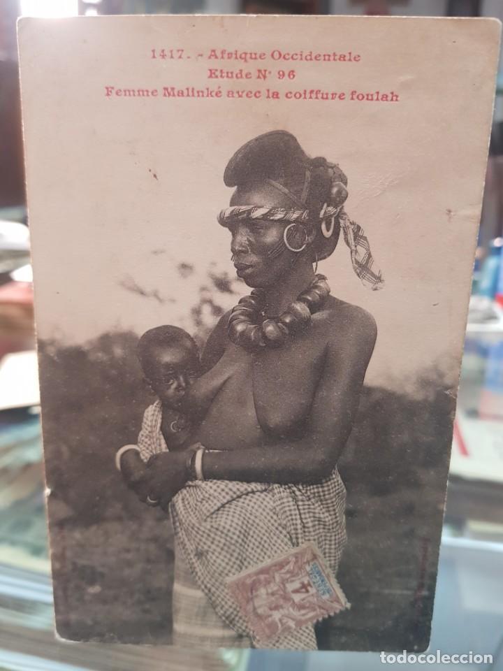 ANTIGUA POSTAL ETNICA MUJER NEGRA MALINKE AFRICA OCCIDENTAL (Postales - Postales Temáticas - Étnicas)