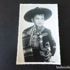 Postales: NIÑO CON TRAJE MEXICANO MARIACHI. Lote 291148288