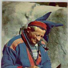 Postales: NORUEGA, NORGE. SAMÍ HACIENDO RECUERDOS. SAME LAGER SOUVENIRS. ESCRITA.. Lote 294971908