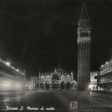 Postales: A0997 ITALIA VENECIA PLAZA DE SAN MARCOS DE NOCHE. Lote 3374927