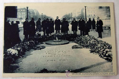 Postal Paris La Tumba Del Soldado Desconocido Tombe Du Soldat Inconnu Les Jolis Coins Berthiot Sin C