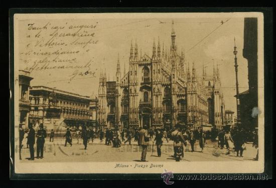 ITALIA - MILANO - MILAN - PIAZZA DUOMO - CIRCULADA 1927 (Postales - Postales Extranjero - Europa)