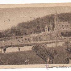 Postales: LOURDES. - LA BASILIQUE, VUE LATÉRALE (C.1930).. Lote 29043870