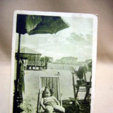 Postales: POSTAL, TARJETA POSTAL, NIÑA N LA PLAYA, ITALIA, ED. CASA DEL BEGNANTE SCAURI, 1937. Lote 31168794