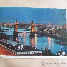 Postales: TOWER BRIDGE AND THE RIVER THAMES BY NIGHT, LONDON. 22 X 16 CM.. Lote 32444860