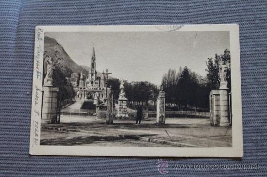 POSTAL. LOURDES. ENTRÉE DE L'ESPLANADE. P. DOUCET. (Postales - Postales Extranjero - Europa)