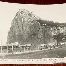 Postales: ANTIGUA FOTO POSTAL DE GIBRALTAR - UNA VISTA DEL AEROPUERTO DEL PEÑON - ESCRITA EN 1958. Lote 38257076
