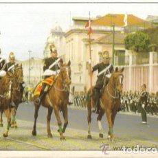 Postales: POSTAL DEL PALACIO DE BELEM DE LISBOA DURANTE EL RELEVO DE LA GUARDIA. Lote 72444187