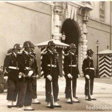 Postales: FOTOGRAFÍA MÓNACO PALACIO AÑO 1956 20,5 X 16 CM. PHOTO FOTO. Lote 77300273