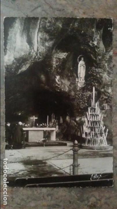 FOTO POSTAL TROQUELADA DE LOURDES (Postales - Postales Extranjero - Europa)