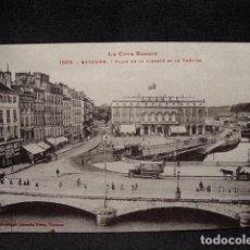 (XEU-15) POSTAL BAYONNE PLACE DE LA LIBERTE ET LE THEATRE- BAYONA LADO VASCO-ED. LABOUCHE -PPIO 1900