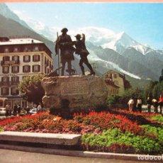 Postales: POSTAL ANTIGUA FRANCIA: AU PAYS DU MONT-BLANC.- CHAMONIX. Lote 90656040