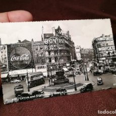 Postales: PICCADILLY CIRCUS AND SHAFTESBURY AVENUE- LONDON - ANUNCIO COCA-COLA AÑOS 50. Lote 104351975