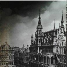 Postales: GRANDE PLACE BRUSELAS, BÉLGICA, MAISON DU ROI, ED. LANDER, SIN CIRCULAR, AÑOS 50- 60. Lote 109491883