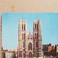 Postales: POSTAL ANTIGUA BELGICA.- CIRCULADA CON SELLO.- BRUXELLES.- CATHEDRALE SAINT MICHEL.- 1965. Lote 114929315