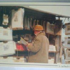 Postales: FOTO POSTAL PARIS D'UN SOUVENIR A L'AUTRE SUR LES QUAIS DE PARIS. Lote 124037995
