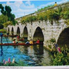 Postales: POSTAL. CLOPTON BRIDGE AND RIVER AVON. ED. JOHN HINDE. ESCRITA. . Lote 128862727