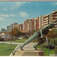 Postales: COSTA DEL SOL FUENGUIROLA MONUMENTO AL PESCADOR POSTAL MANUSCRITA MUY ANTIGUA. Lote 134713266
