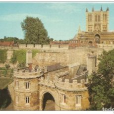Postales: == E135 - POSTAL - LINCOLN CATHEDRAL AND CASTLE GATE. Lote 136641098