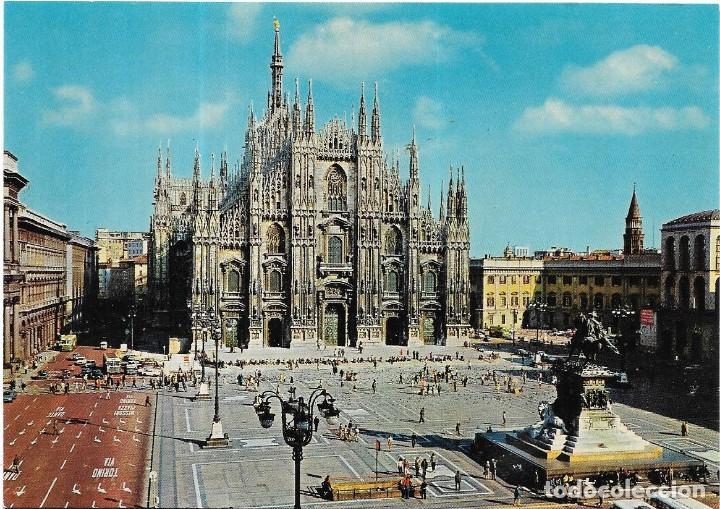 == B83 - POSTAL - PIAZZA DEL DUOMO - MILANO (Postales - Postales Extranjero - Europa)