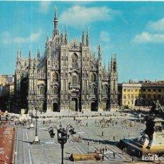 Postales: == B83 - POSTAL - PIAZZA DEL DUOMO - MILANO. Lote 137105850
