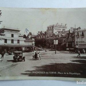 BAGNOLES DE L'ORNE Place de la République
