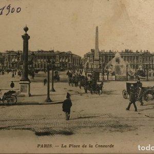 1900 París. la Place de la Concorde. Coches de caballos en la Plaza de la Concordia de París