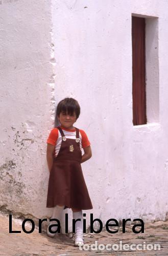 DIAPOSITIVA PORTUGAL LOULÉ ALTE 1985 KODACHROME 35MM SLIDE ALGARVE FREGUESIA NIÑA RETRATO (Postales - Postales Extranjero - Europa)
