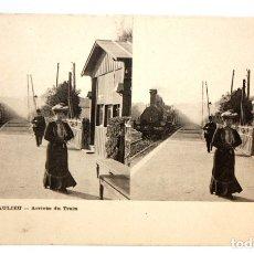 Postales: POSTAL ESTEREOSCOPICA DE BEAULIEU (FRANCIA). ARRIVEE DU TRAIN. SIN CIRCULAR. Lote 173075155