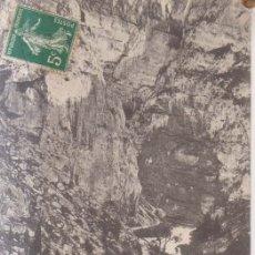 Postales: FRANCIA FONTAINE DE VAUCLUSE EL VALLE Y LA CARRETERA 1907 POSTAL CIRCULADA . Lote 182592790