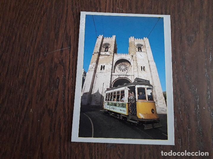 POSTAL DE LISBOA, TRANVIA DELANTE DE CATEDRAL. PORTUGAL. (Postales - Postales Extranjero - Europa)