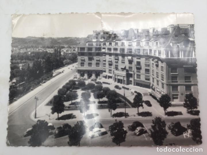 POSTAL. UN RINCÓN DEL BOULEVAR SUR DE LOS PIRINEOS. CON SELLO DE ESPAÑA. MATASELLOS 1960 (Postales - Postales Extranjero - Europa)