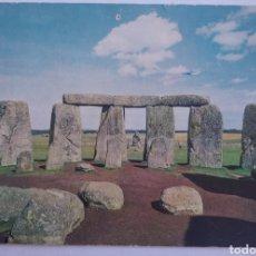 Postales: POSTAL INGLATERRA STONEHENGE WILTSHIRE VIEW LOOKING EAST CIRCULADA AÑO 1966. Lote 194356058