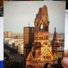 Postales: POSTAL BERLÍN KAISER WILHELM GEDACHTNIS KIRCHE NORDWESTANSICHT DE O COLOR MAL RECORTADA. Lote 194628225
