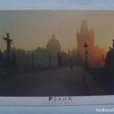 Postales: POSTAL DE PRAGA ( REPUBLICA CHECA ): PUENTE CARLOS. CIRCULADA A SEVILLA. Lote 195249453