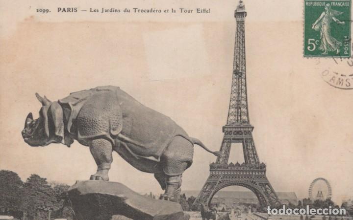 POSTAL PARIS - LES JARDINS DU TROCADERO ET LA TOUR EIFFEL - CIRCULADA (Postales - Postales Extranjero - Europa)