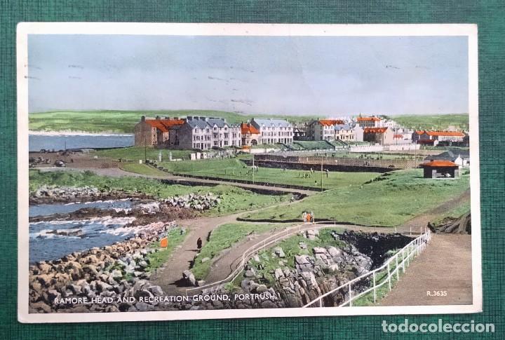 IRLANDA DEL NORTE POSTAL CIRCULADA RAMORE HEAD AND RECREATION GRUND, PORTRUSH, 2 SELLOS GB 1959 (Postales - Postales Extranjero - Europa)