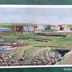 Postales: IRLANDA DEL NORTE POSTAL CIRCULADA RAMORE HEAD AND RECREATION GRUND, PORTRUSH, 2 SELLOS GB 1959. Lote 240229600