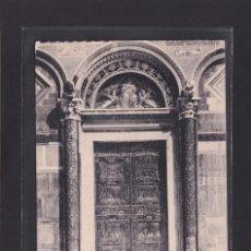 Postales: PISA - PORTA PRINCIPALE DEL DUOMO (ITALIA). Lote 279585748