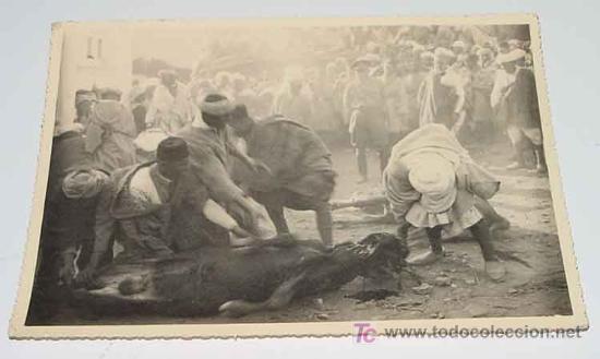 ANTIGUA FOTOGRAFIA ORIGINAL DE LA ROMERIA DE SIDI YEL EN BENI ZEYEL (MARRUECOS) AÑO 1926 - SACRIFICI (Postales - Postales Temáticas - Ex Colonias y Protectorado Español)