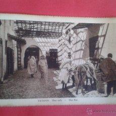 Postales: POSTAL DE TETUAN. UNA CALLE. ANIMADA. SIN ESCRIBIR.. Lote 45194897