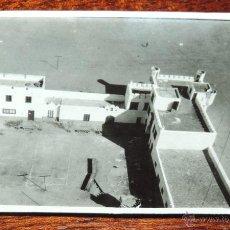 Postales: FOTOGRAFIA DE VILLA CISNEROS, SAHARA ESPAÑOL, FUERTE, MIDE 8,2 X 5,5 CMS.. Lote 50100676