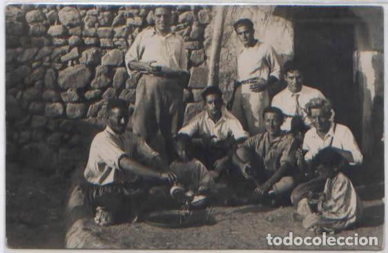 POSTAL FOTOGRAFICA MELILLA ? SOLDADOS TOMANDO EL TE EN CASA DE MOHAMED MARRUECOS ESPAÑOL 1931 (Postales - Postales Temáticas - Ex Colonias y Protectorado Español)