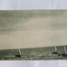 Postales: GUINEA CONTINENTAL- EXPOSICION IBERO-AMERICANA, SEVILLA-1929- CAYUCOS CON VELA LATINA EN ELOBEY.. Lote 113247435