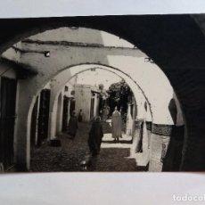 Postales: ANTIGUA POSTAL - CALLE FEZ - TETUAN 274 - MARRUECOS - FOTO GARCIA CORTES. Lote 128981047