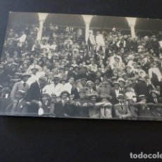 Postales: TANGER MARRUECOS ESPAÑOL PUBLICO EN LA PLAZA DE TOROS POSTAL FOTOGRAFICA. Lote 165027866