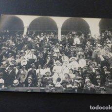Postales: TANGER MARRUECOS ESPAÑOL PUBLICO EN LA PLAZA DE TOROS POSTAL FOTOGRAFICA. Lote 165031714