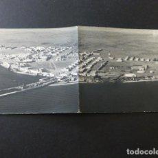 Postales: VILLA CISNEROS SAHARA ESPAÑOL VISTA AEREA POSTAL DOBLE FOTOGRAFICA. Lote 165236818