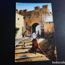 Postales: TANGER UNA PUERTA DE LA ALCAZABA. Lote 195802166